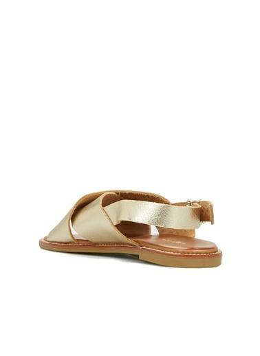 Divarese Divarese 5025176 Çapraz Bantlı Deri Renkli Kadın Sandalet Altın